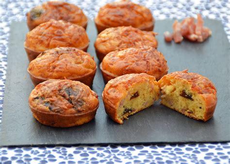 cuisiner les pruneaux cakes aux lardons et aux pruneaux de dudemaine