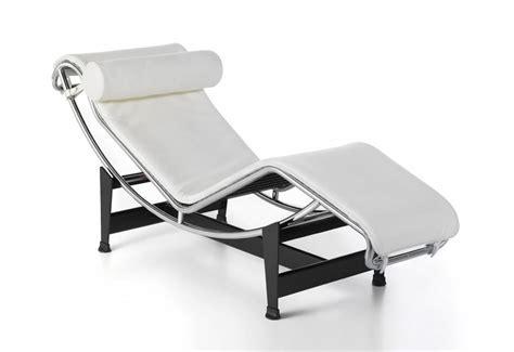 chaise design italien chaise longue design italien en cuir le corbusier lc4