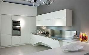 cuisine blanche et inox idees et astuces en 90 photos With cuisine blanche sol noir