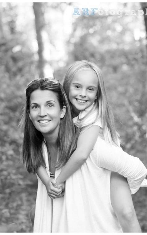 Lovely Mother And Daughter Photo Ideas