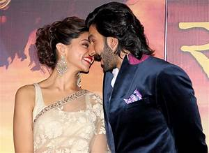 Ranveer Singh And Deepika Padukone Will Move In For Padmavati.
