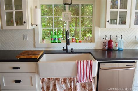 easy diy kitchen backsplash diy herringbone beadboard backsplash farmhouse38