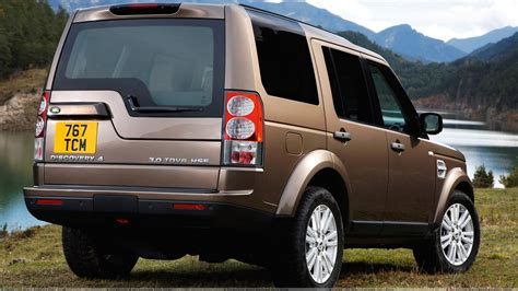 discovery land rover back car back pose wallpapers photos images in hd
