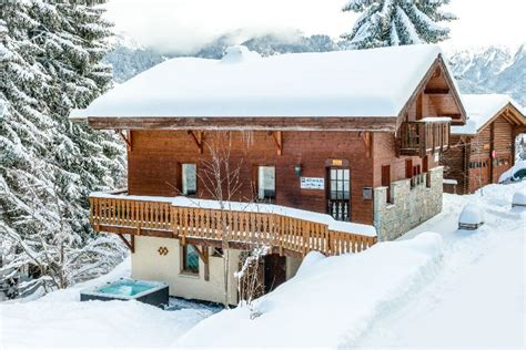 catered chalet la tania chalet clementine la tania ski chalet for catered chalet skiing holidays snowboard and summer