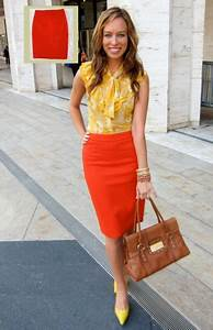 22 Perfect Orange Skirt Outfits For Fashionable Ladies - Styleoholic
