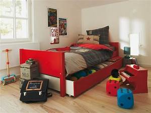 deco chambre garcon de 9 ans With amazing couleur pour bebe garcon 7 le lit voiture pour la chambre de votre enfant