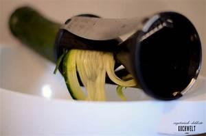 Zucchini Nudeln Schneider : scharfe zucchini nudeln mit tomatensauce und frischem spinat veggiekochwelt ~ Eleganceandgraceweddings.com Haus und Dekorationen