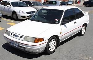 05  1990 Ford Laser Tx3 Hatch Back White 1 8l