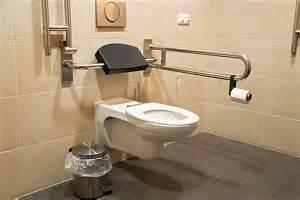 behinderten badezimmer barrierefreie toiletten für menschen mit behinderung stiftung myhandicap
