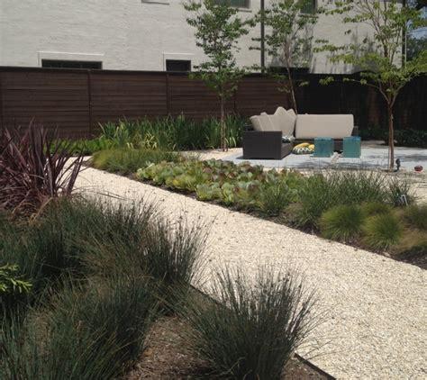 Moderner Garten Mit Steinen by Gartengestaltung Mit Kies Ideen Mit Naturstein Und Gr 228 Sern