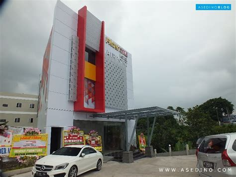 Ngintip Front One Hotel Airport Solo