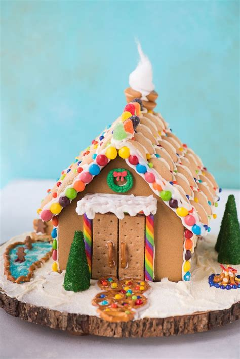 Decorating Ideas For Gingerbread by 25 Unique Gingerbread House Decorating Ideas Ideas On