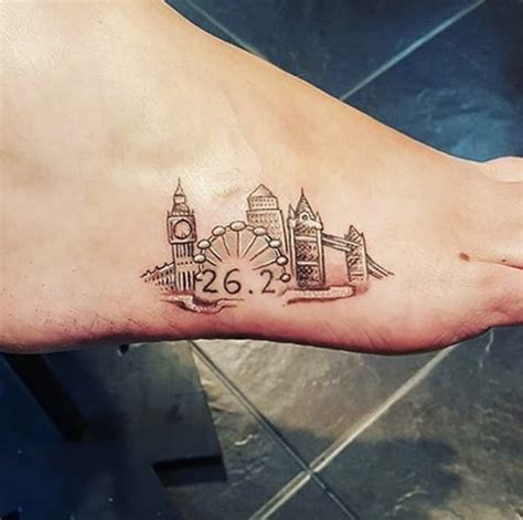 runners foot cute foot tattoo ideas popsugar beauty