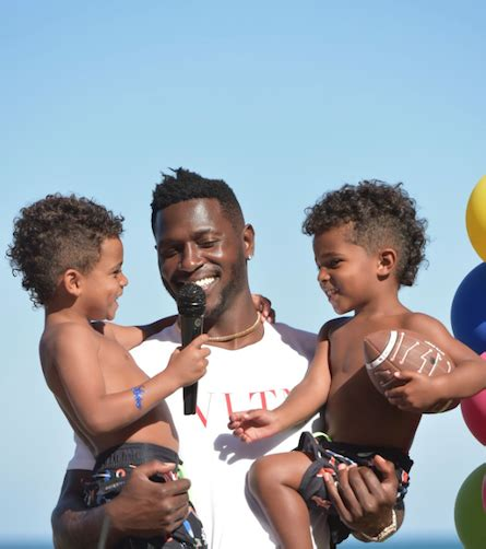 Tot Living/Haute Living Throws Party For Antonio Brown's ...