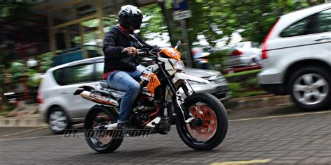 Modification Kawasaki Klx 250 by Modifikasi Klx 250 Cc Menjadi Supermoto Terbaru 2016