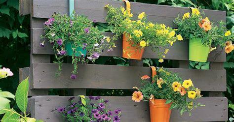 Sichtschutz Garten Paletten by Kreativ Idee Paletten Als Bl 252 Hender Sichtschutz