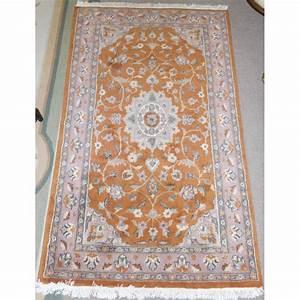 tapis pakistanais orange et rose sur moinat sa With tapis champ de fleurs avec canapé arrondi panoramique