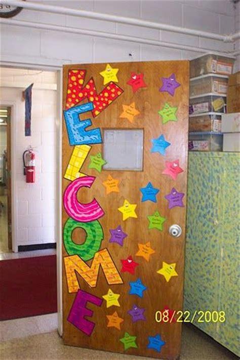 easy classroom door decorating ideas welcome door display learningenglish esl
