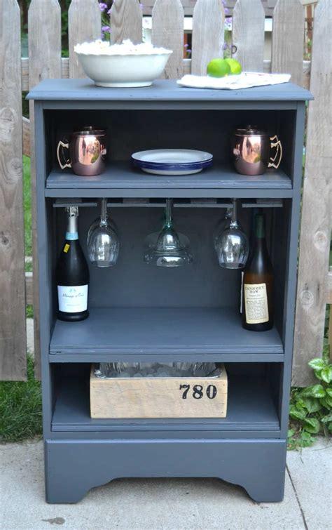 build  bar    dresser  serve drinks