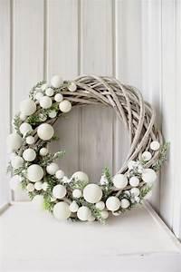 Weihnachtskranz Für Tür : begr t den advent mit einem kranz an der t r weihnachtskranz basteln dekoideen weihnachten ~ Sanjose-hotels-ca.com Haus und Dekorationen