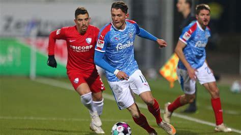 Ergebnisse, liveticker, spielberichte & hintergrundinformationen. Holstein Kiel nach Sieg gegen VfL Bochum Tabellenführer ...