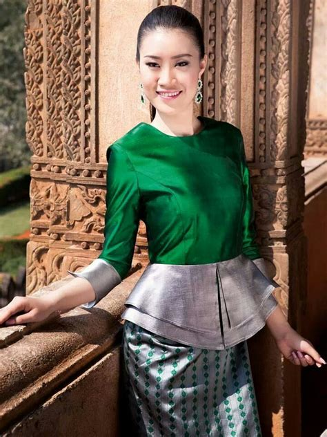 traditional lao dress images  pinterest laos
