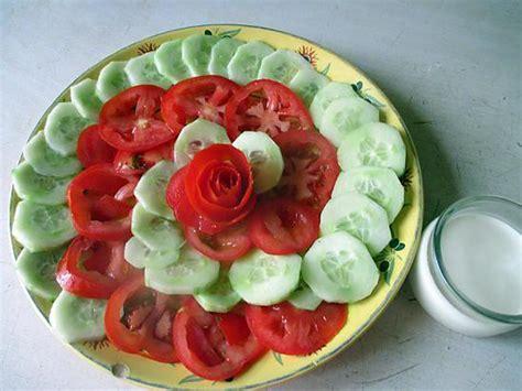 comment cuisiner un concombre recette de salade concombre tomate sauce noisette