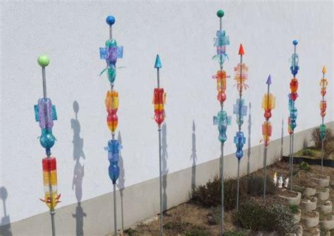 Basteln Mit Pet Flaschen Kreative Wohnideen Aus Kunststoffpet Flaschen Nessessaer by Stelen Aus Plastikflaschen Basteln Bastelideen