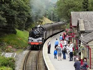 Steam Train Arriving At Haworth  U00a9 David Dixon Cc 2 0