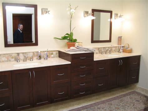 Bathroom Vanities   Kraftmaid Outlet