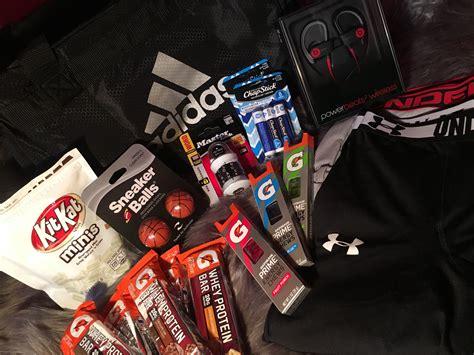 creative gift ideas   gym bag essentials