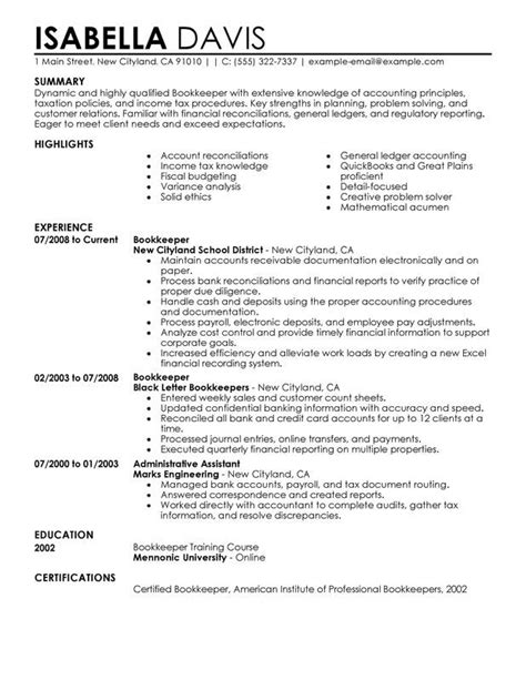 Unforgettable Bookkeeper Resume Examples to Stand Out | MyPerfectResume