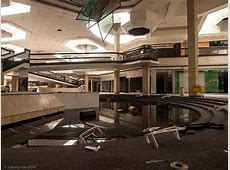The Very Loud Silence of an Abandoned Mall – Architectural