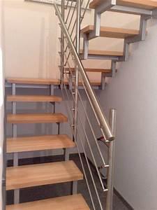 Stahltreppe mit holzstufen und edelstahlgel nder for Stahltreppe mit holzstufen