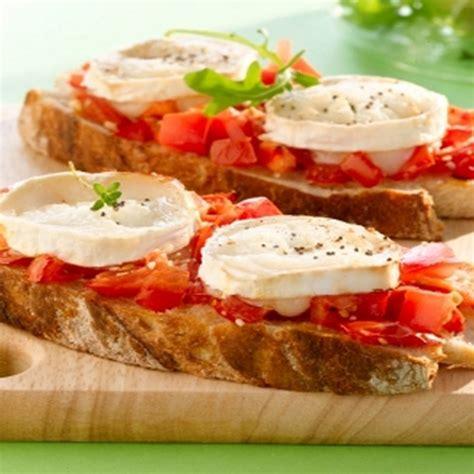 recette tartines chevre  tomates