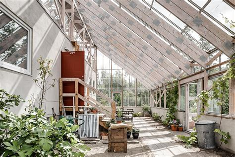 swedens eco luxury greenhouse home adorable home