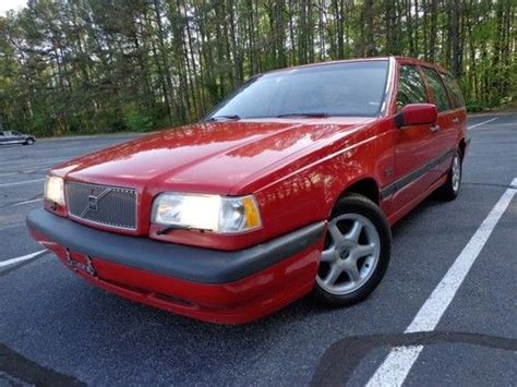 find   volvo  wagon spd manual leather pwr
