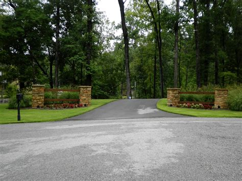 driveway landscaping driveway entrance landscaping idea driveway entrance landscaping idea design ideas and photos