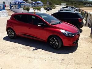 Clio Rouge : renault clio iv dci 85 maroc rouge avec jonce rouges toit panoramique jantes noir ~ Gottalentnigeria.com Avis de Voitures