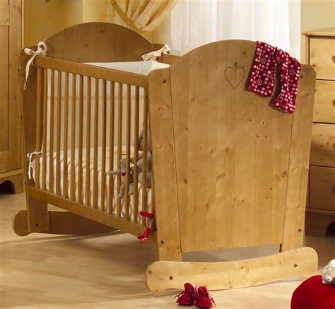 chambre bébé en bois modele de lit en bois pour bebe mzaol com