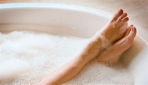 hot baths  reduce inflammation burn calories