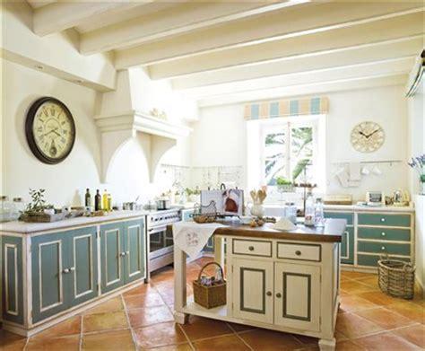 lo que debes llevar a cocinas blancas rusticas tendencias muebles de cocina parte 4