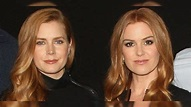 Isla Fisher ditches Amy Adams doppelganger status, debuts ...