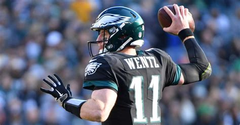 carson wentz wont practice   stay  eagles