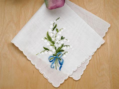 image gallery monogrammed handkerchiefs personalized ladies handkerchiefs related keywords