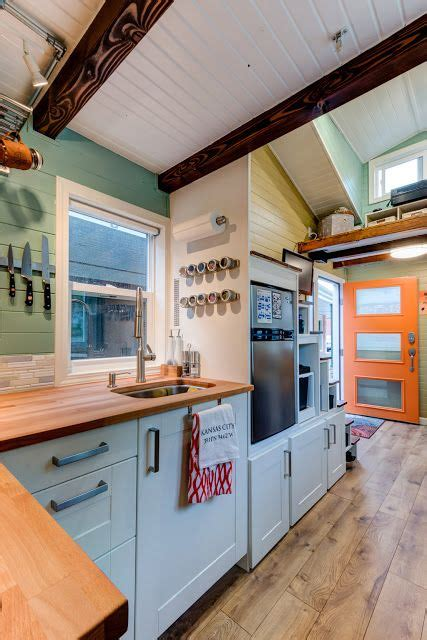 pictures of kitchen designs 25 best ideas about tiny house kitchens on 4210