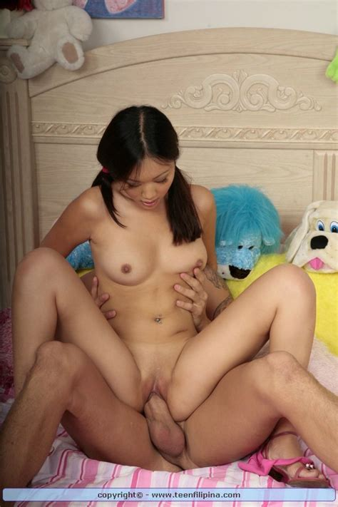 Shaved Totally Shaved Asian Evelyn Lin With Small Tits