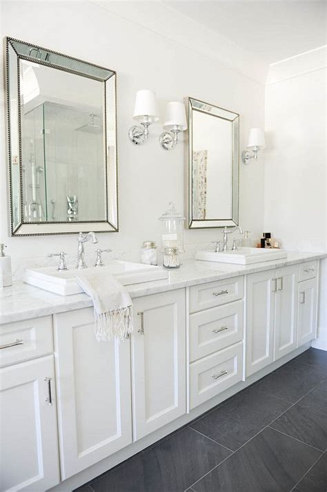 Gray And White Bathroom Ideas by Best 25 Grey White Bathrooms Ideas On Grey
