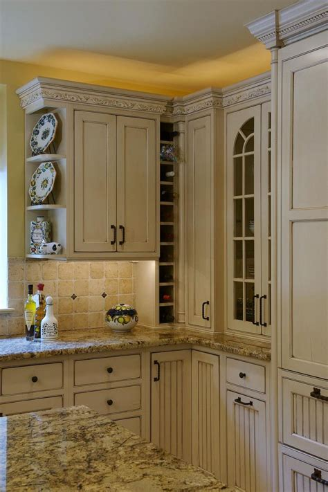 yellow kitchen cabinet best 25 yellow kitchen cabinets ideas on 1213