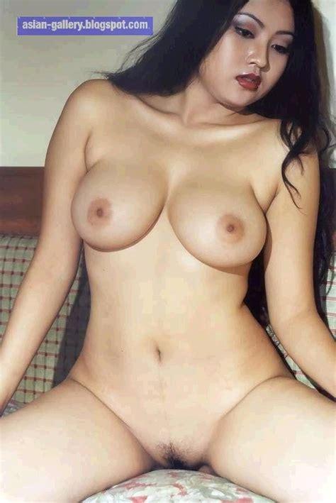 Indonesian Model - Rizki Pritasari - Nude - BugiL ...